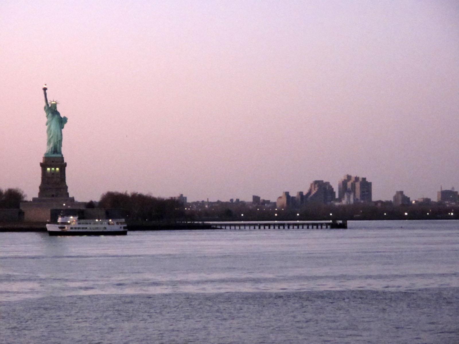 nyc-liberty-staten-island-ferry