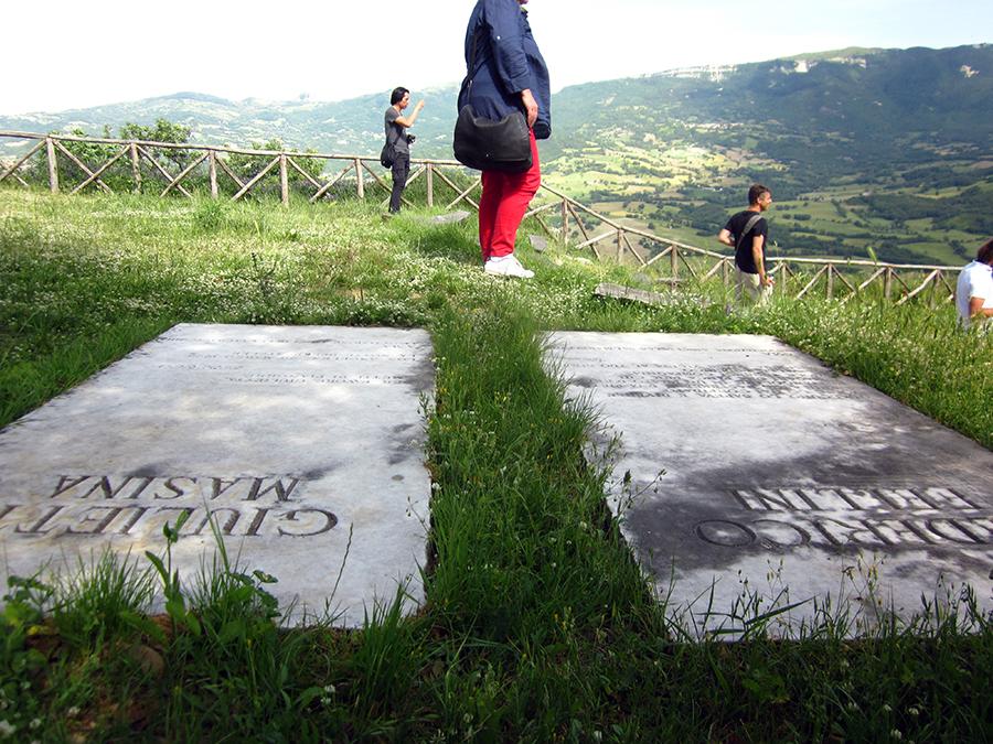 fellini memorial italy