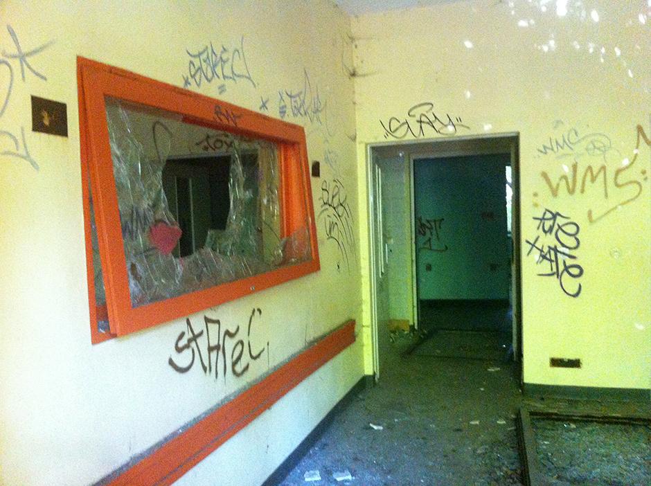 abandoned berlin childrens hospital room