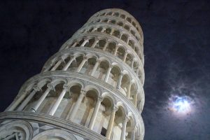 Leaning Tower of Pisa (nighttime)