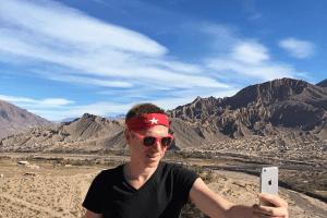 travel selfie - millennial